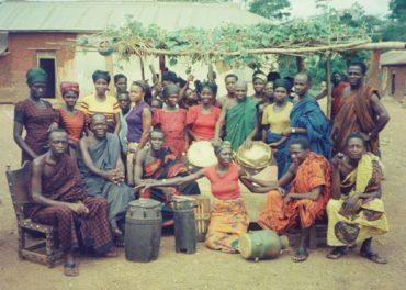 ammasu_akapoma_group